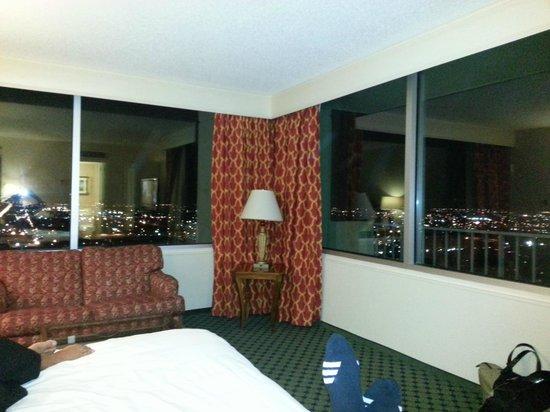 New Orleans Marriott:                   25th Floor - Corner Room