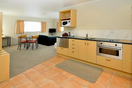 Academy At Botany Motor Inn: 2 Bed Room Kitchen