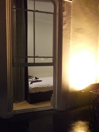 The Royale Chulan Hyde Park Hotel London:                   Razoável, bem razoável