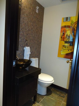 Copper Point Resort: Second bathroom on main floor