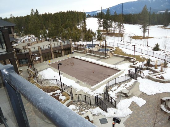Copper Point Resort: Outdoor pool covered up for the winter