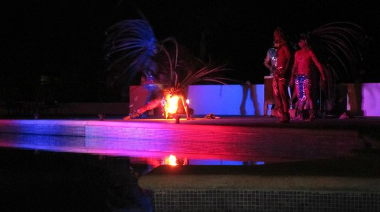 Grand Oasis Sens:                                     A traditional dance show on the premises.
