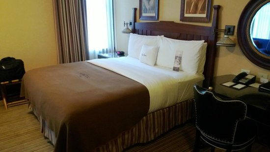 The Arctic Club Seattle - a DoubleTree by Hilton Hotel:                   Comfortable bed with firm mattress