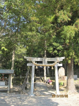熊野古道,                   滝尻王子の出発点です。ここでのお参りから出発