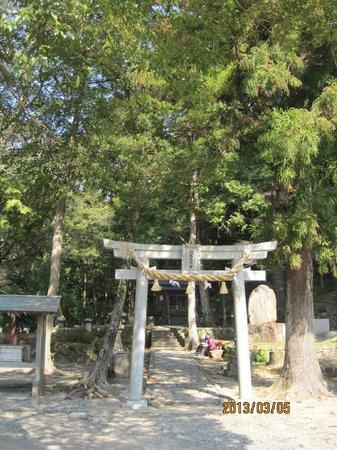 Kumano Kodo:                   滝尻王子の出発点です。ここでのお参りから出発