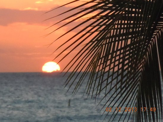 Divi Village Golf and Beach Resort:                   Sunset Eagle Beach