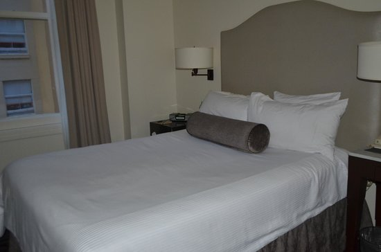 International House Boutique Hotel:                   Int'l House - bedroom