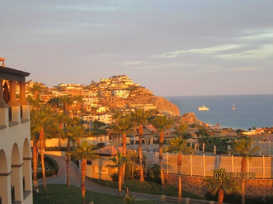 Pueblo Bonito Sunset Beach Golf & Spa Resort:                   amazing sunset on the hill next door