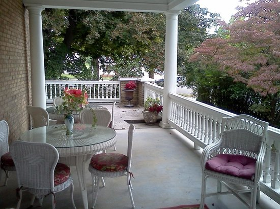 Trinkle Mansion Bed & Breakfast:                   A good old fashioned porch