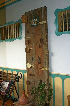 La Posada del Cafe: Some of the decor that makes  the Posada special.