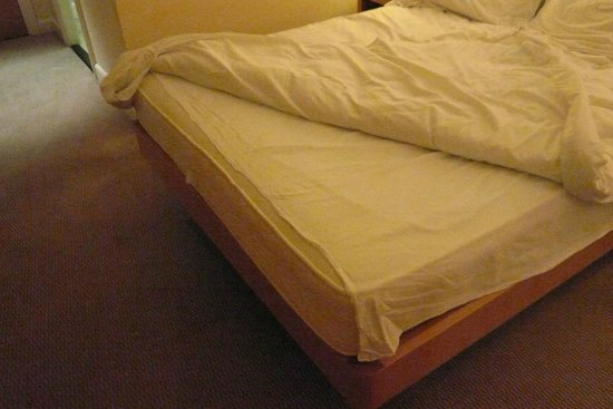 Hilton Dublin Airport Hotel:                   Poor housekeeping