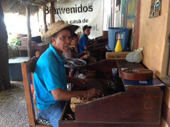 Iberostar Hacienda Dominicus: cigar factory