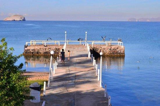 Hotel Playa de Cortes:                   Beach and pier were fun to explore