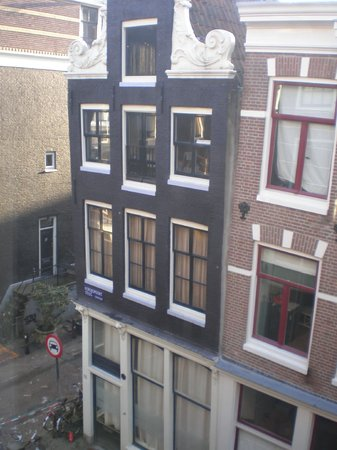 The Blue Sheep Bed & Breakfast Amsterdam:                   The view out of our window