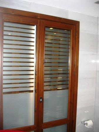 Exe Ramblas Boqueria Door Window In Bathroom Looking Out No Curtains