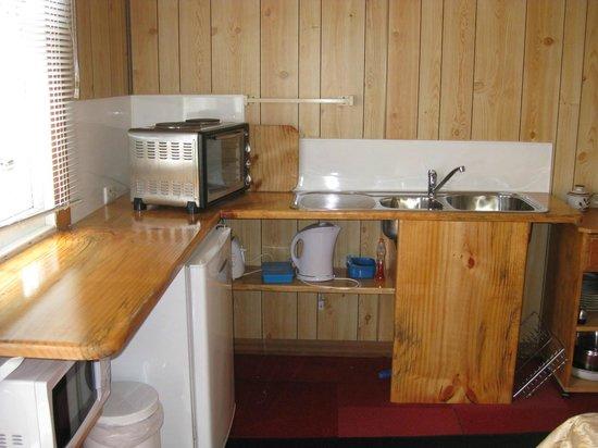 Mountain View Motel:                                     Kitchenette area