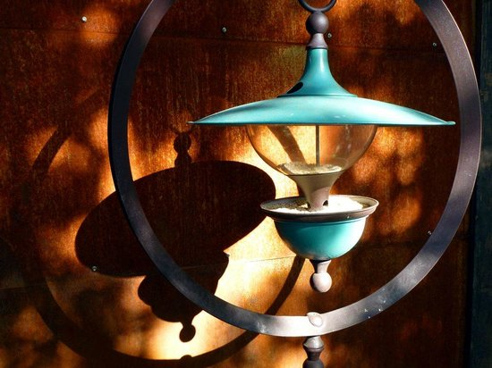 968 Park Hotel: Antique lamp