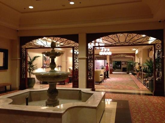 Hyatt Regency Westlake: Lobby