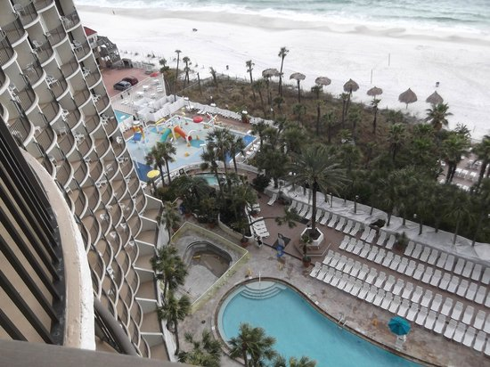 Holiday Inn Resort Panama City Beach:                   looking down from balcony
