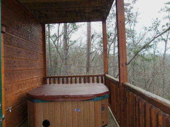 Gatlinburg Falls Resort:                   Hot tub