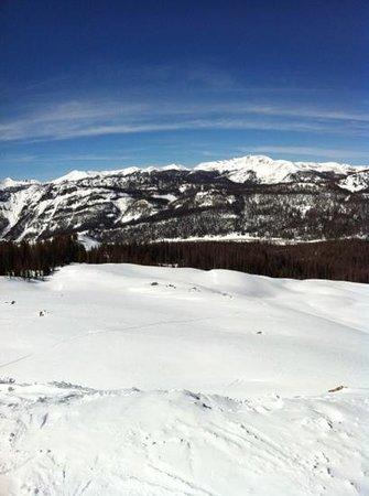 وولف كريك سكي لودج:                   ski                 