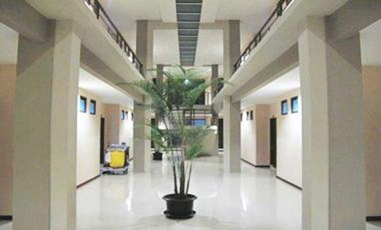 Grha Ciumbuleuit Guest House: Corridor