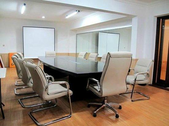 Grha Ciumbuleuit Guest House: Meeting Room 2