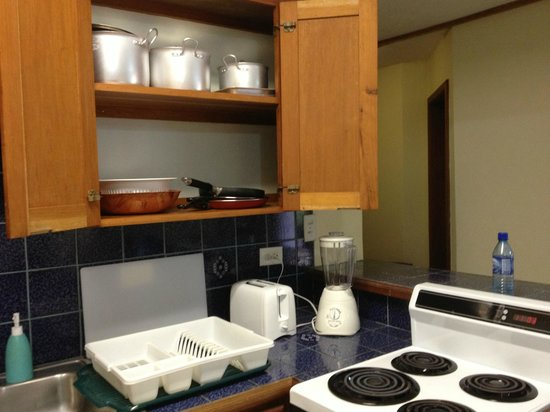 SunBreeze Suites: pots and pans