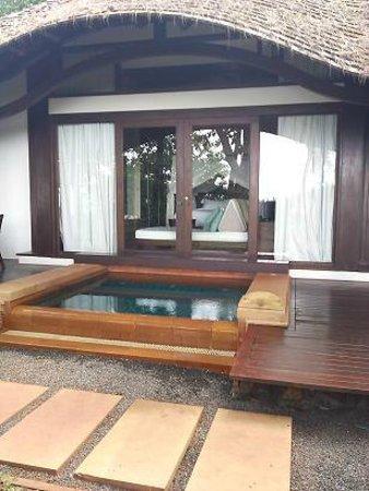 Phulay Bay, A Ritz-Carlton Reserve:                   ビーチフロントヴィラのジャグジー