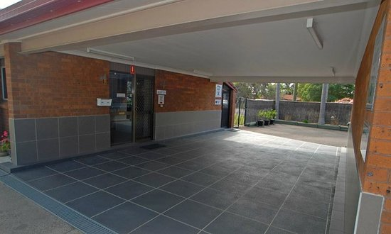 Wallarah Bay Motel:                   reception