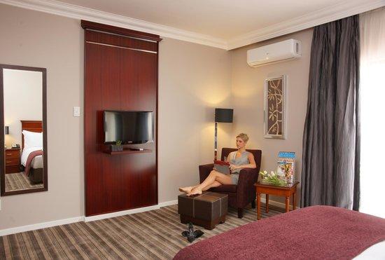 Southern Sun Katherine Street Sandton: Extra spacious superior rooms