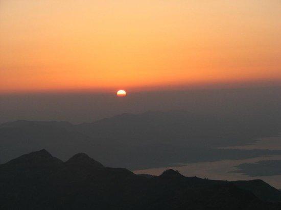 Sunrise from Rajgad fort