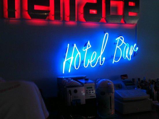 Patong Terrace Boutique Hotel:                   mini bar/cafe