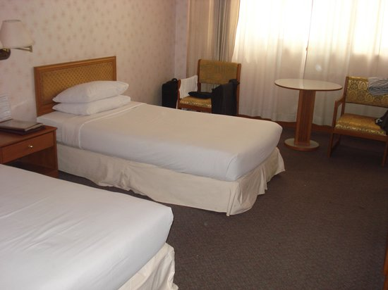Central Hotel Yangon:                   Superior Room with twin beds