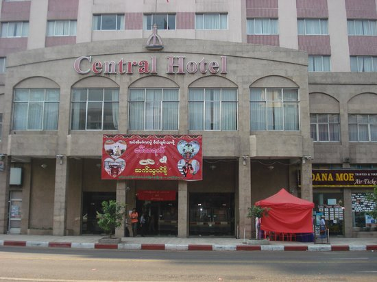 Central Hotel Yangon:                   Front view of Central Hotel