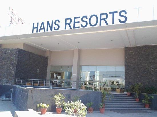 Hans Resorts :                                     View