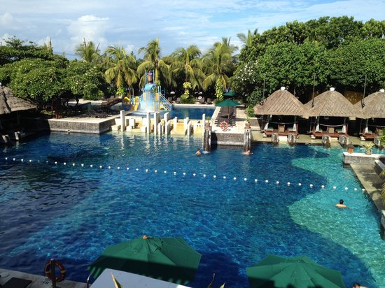 Hard Rock Hotel Bali:                   1/2 of the pool
