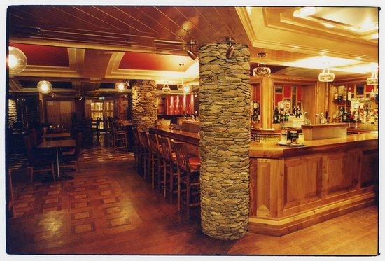 Dingle Bay Hotel: Paudie's Bar