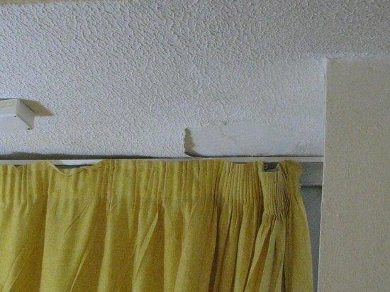 hotel rancho luna gordijnen en plafond
