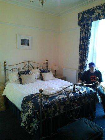 Warwick House:                   bedroom