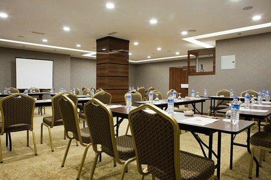 Atalay Hotel: meeting room
