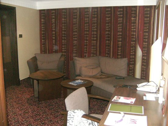 Mercure Tunbridge Wells:                   Living area