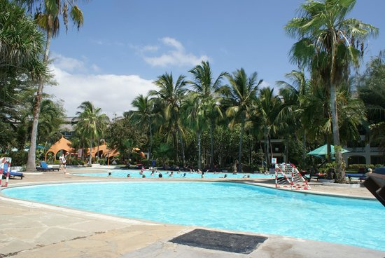 Southern Palms Beach Resort: trés grande piscine