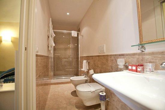 Dimora Degli Dei: camera bagno