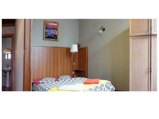 Chillout Cengo Hostel: Private Ensuite Room