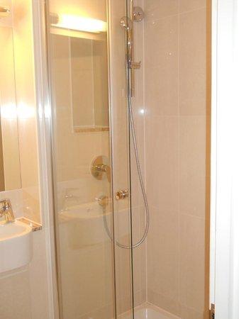 โรงแรมปาร์คอินเตอร์เนชั่นเนล:                   la doccia