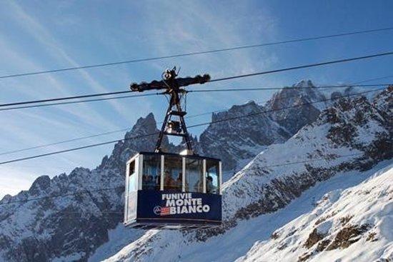 Punta Helbronner - Skyway Monte Bianco :                   Provided by: Punta Helbronner - Funivie Monte Bianco