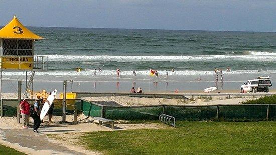 Beach House Seaside Resort:                   Coolangatta Beach