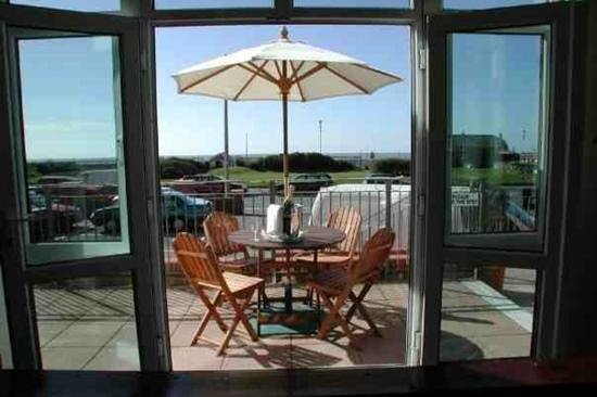 The Lindum Hotel:                   perfect on a sunny morning