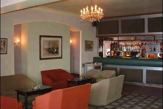 The Lindum Hotel:                   well stocked bar.